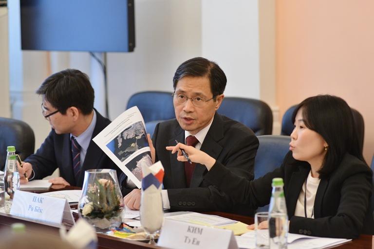 Чрезвычайный и Полномочный Посол Республики Корея в Российской Федерации Пак Ро Бёк