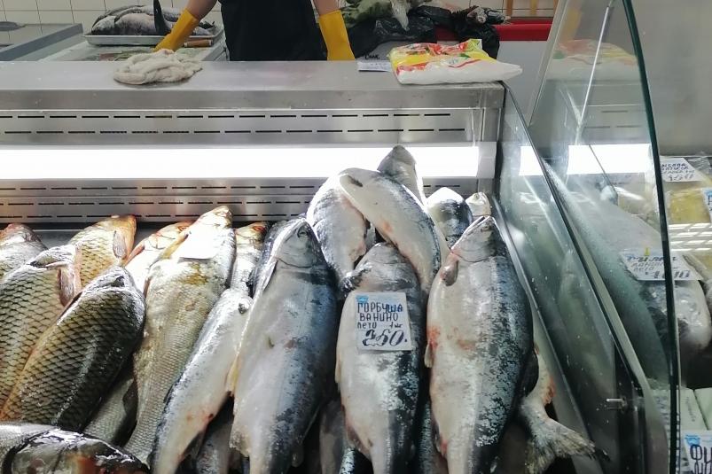 Рыбный рынок в Хабаровске. Фото: Татьяна Ван, ИА AmurMedia