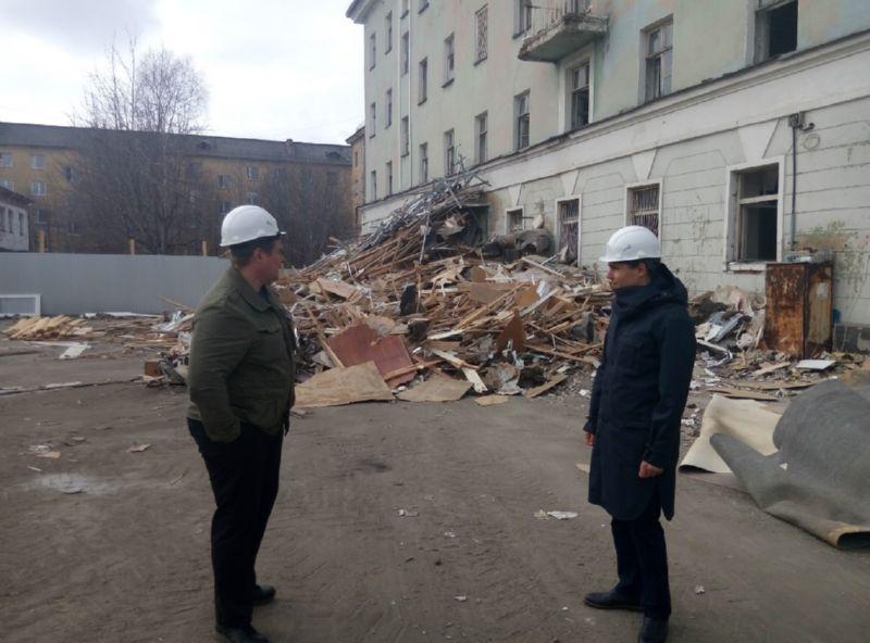 Руководитель ФГБУ ЦСМС Артём Сергеевич Вилкин посетил место строящегося объекта регионального центра мониторинга и регионального информационного центра в Мурманске.