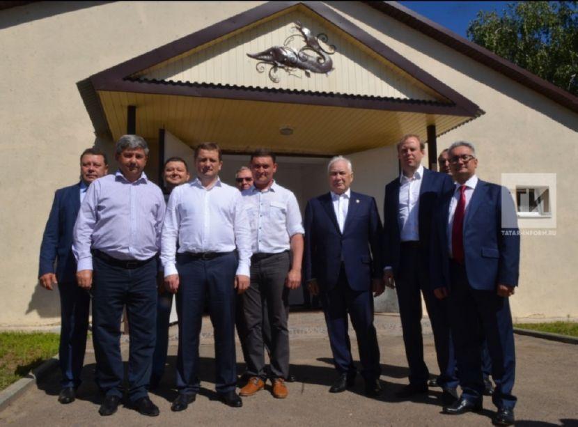 Руководитель Федерального агентства по рыболовству Илья Шестаков во время посещения крупнейших в Татарстане рыбодобывающих и перерабатывающих предприятий ответил на вопрос, почему местная рыба в магазинах стоит так дорого.